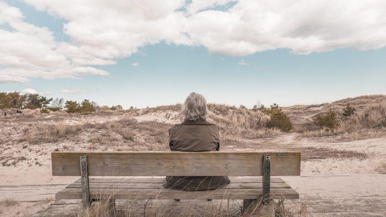 Melyik éri meg jobban: az önkéntes nyugdíjpénztár vagy a nyugdíjbiztosítás?
